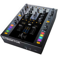 Native Instruments Traktor Kontrol Z2 with Traktor Pro 2 software **BRAND NEW**