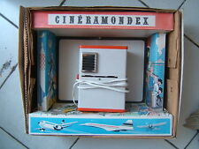 RARE  PROJECTEUR CINERAMONDEX  AVEC ILLUSTRATION DE  TINTIN  / ANNE 70