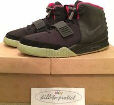 USED- NIKE AIR YEEZY 2 BLACK SOLAR RED Sz US9.5 UK8.5 KANYE WEST 508214-006 2012