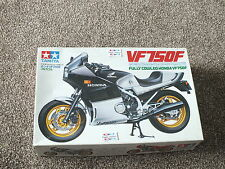 TAMIYA HONDA VF750 FULLY COWLED 1/12 scale MODEL KIT