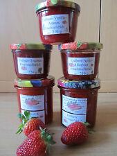 5 verschiedene selbstgemachte Erdbeer-Marmeladen raussuchen!