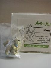 +# A015996_15 Goebel Archivmuster Olszewski Disney Miniatures PeterPan Nana pet