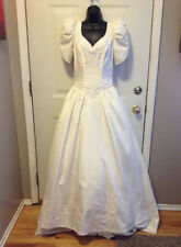 WEDDING GOWN GORGEOUS LIGHT IVORY DESIGNER SAMPLE BY THE WEDDING BELL SIZE 10
