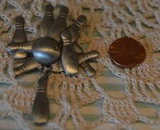 PEWTER BOWLING PINS PIN/BROOCH~BY SPOONTIQUES~USA~4173~EUC~CHEAP SHIPPING!