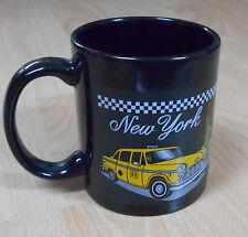 Negro taza de café con imagen de Nueva York Checker Taxi