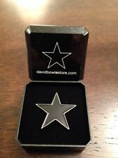 "David Bowie ""Blackstar"" Original Tribute Pin Badge in Gift Box + FREE GIFT"