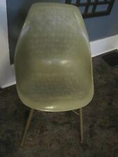 1 vtg Herman Miller Eames Molded Plastic Side Chair green metal legs shelf 3 ava