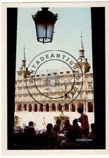 FOTOGRAFIA ANTIGUA, TERRAZA DE UN BAR EN LA PLAZA MAYOR DE MADRID 1971