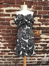 Marchesa Notte sz 0 Pretty Black & White Floral Printed Ruffled Cocktail Dress