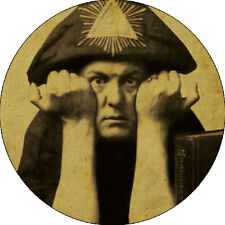 CHAPA/BADGE ALEISTER CROWLEY . pin button led zeppelin the great beast 666