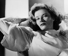 Katharine Hepburn UNSIGNED photo - C675 - BEAUTIFUL!!!!