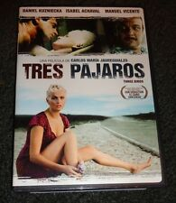 TRES PAJAROS (THREE BIRDS)-Gustavo stranded in desert, two strangers change life