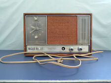 Vintage rare General Electric am fm clock radio woodgrain  sold as is Colombia