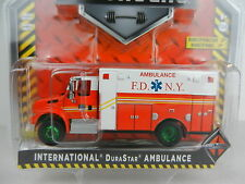 1:64 GreenLight *HD TRUCKS R7* GREEN MACHINE Durastar AMBULANCE *FDNY* NIP!
