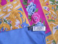 Magnifique foulard  GIANNI VERSACE 100% soie  TBEG  vintage scarf