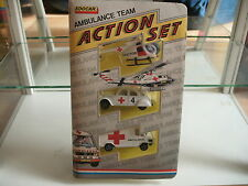 Edocar Action Set Ambulance Team in White in Box