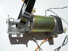 (1)  HP 9000 PAPER AXIS SERVO MOTOR WITH DRIVE PULLEY AND TOOTHED BELT