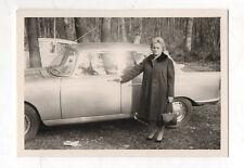 PHOTO Snapshot Voiture Auto Automobile Femme Portrait Peugeot Vers 1960