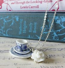 GoRgEoUs KiTsCh aLiCe BLUE WHITE FLOWER CHINA TEACUP ROSE CHARM SILVER NECKLACE