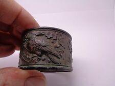 Chinese bronze knapkin scholars paper holder ring? avec oiseau design