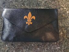 NEW!!  FLEUR DE LIS PURSE/ HANDBAG/ MESSENGER/ WRISTLET-BLACK/GOLD