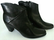 JOHN LEWIS - AOSTA ANKLE ZIP BLACK BOOTS - SIZE 7 - 20,000+ F/BACK! BB171