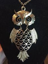 LARGE Gold METAL OWL PENDENT NECKLACE VINTAGE JEWELRY NICE MOVABLE PIECE