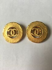 Chanel Vtg Clip Ons Earrings Cc In Very Good Condition Gold
