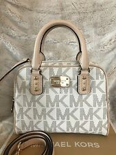 NWT MICHAEL MICHAEL KORS SIGNATURE SAFFIANO MINI SATCHEL BAG IN VANILLA (SALE!!)