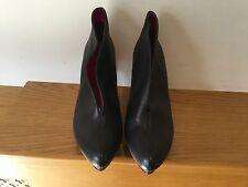 STYLISH KESSLORD HEELED SHOES SIZE UK 7 NWOB VERY LIGHT SCRATCHES GOOD CON