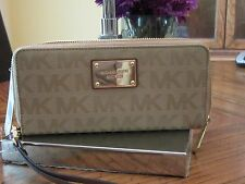 MICHAEL KORS CAMEL SIGNATURE JET SET ITEM TRAVEL CONTINENTAL WALLET $138