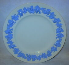 """England Wedgewood China Queensware Lavender on Cream Dinner Plate 10-1/2"""""""