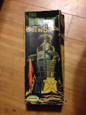 VINTAGE 1968 AURORA LOST IN SPACE ROBOT B-9 MODEL KIT 418-100 COMPLETE GC