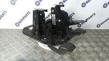 Vauxhall Movano / Renault Master II 2003-2009 2.5 DCI Pedal Box (Clutch + Brake)