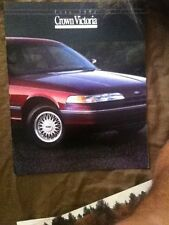 1993 Ford LTD Crown Victoria Color Brochure Catalog Prospekt