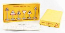 1 / 43 ème DINKY TOYS  BOITE DE PANNEAUX ROUTE / jouet ancien