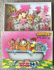 Garfield and Friends hand cut wood jigsaw puzzle, 54 pieces, Waddingtons 1093