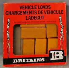 1:32 Britains Herald # 1742 - 6 Hay Bales - unpainted plastic - mint in box
