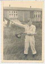 Foto Luftwaffen-Soldat mit Flaggen /Signalgeber   2.WK   (P900)