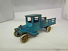 VINTAGE CAST IRON STAKE BED TRUCK   912-D