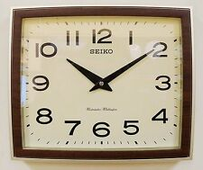 Reloj De Pared Seiko Retro Gold & Wood acabado Westminster Whittington timbre QXD211S/