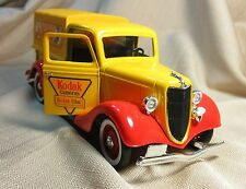 Solido 8019 Ford Pickup 1936 Kodak 1/18 Scale