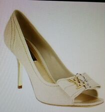 LOUIS VUITTON 'LOVE' CREAM CANVAS PEEP TOE PUMP HEEL  W/ TWO-TONE CHARMS sz 40
