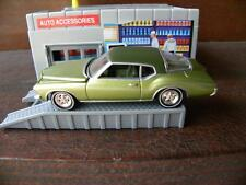 1972 BUICK RIVIERA       2005 JOHNNY LIGHTNING BIG BOATS     1:64 DIE-CAST