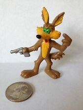 WB PVC Wile E. Coyote HANDS UP Warner Brothers Looney Tunes Bully Toy Figure
