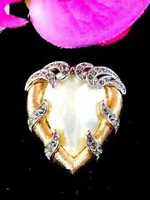 '57 CROWN TRIFARI TRIFANIUM MOTHER OF PEARL BLACK DIAMOND FANTASIA HEART BROOCH