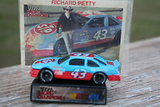 Richard Petty #43 Grand Prix Diecast 1991 Hot Wheels Car w/Plastic Stand & Cards