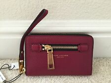 Marc By Marc Jacobs Gotham zip around leather wallet wristlet M0008455 Merlot