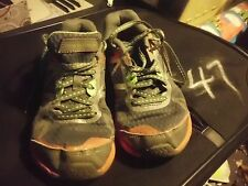 NEW BALANCE BOYS SIZE UK 13.5 USA 1