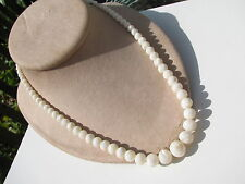 VTG. GRADUATING GENUINE MOTHER OF PEARL ROUND BEADS NECKLACE OLDER SCREW CLASP
